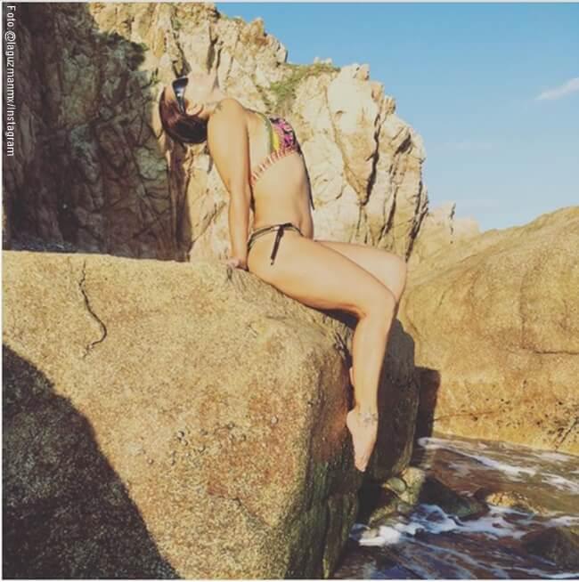 Foto de Alejandra Guzman en bikini en la playa