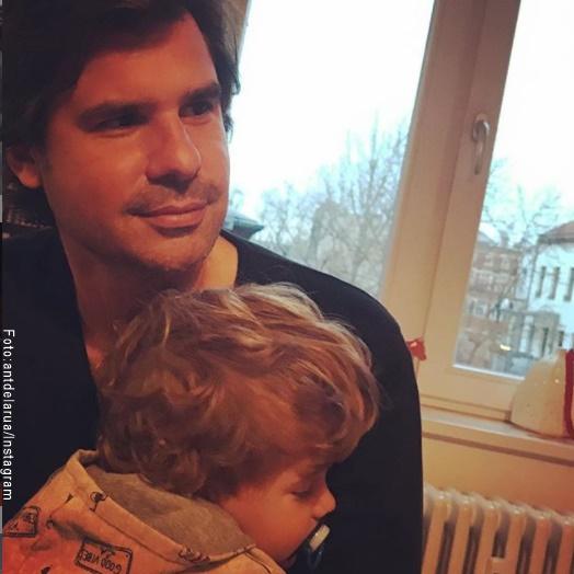 Foto de Antonio de la Rua y su hijo