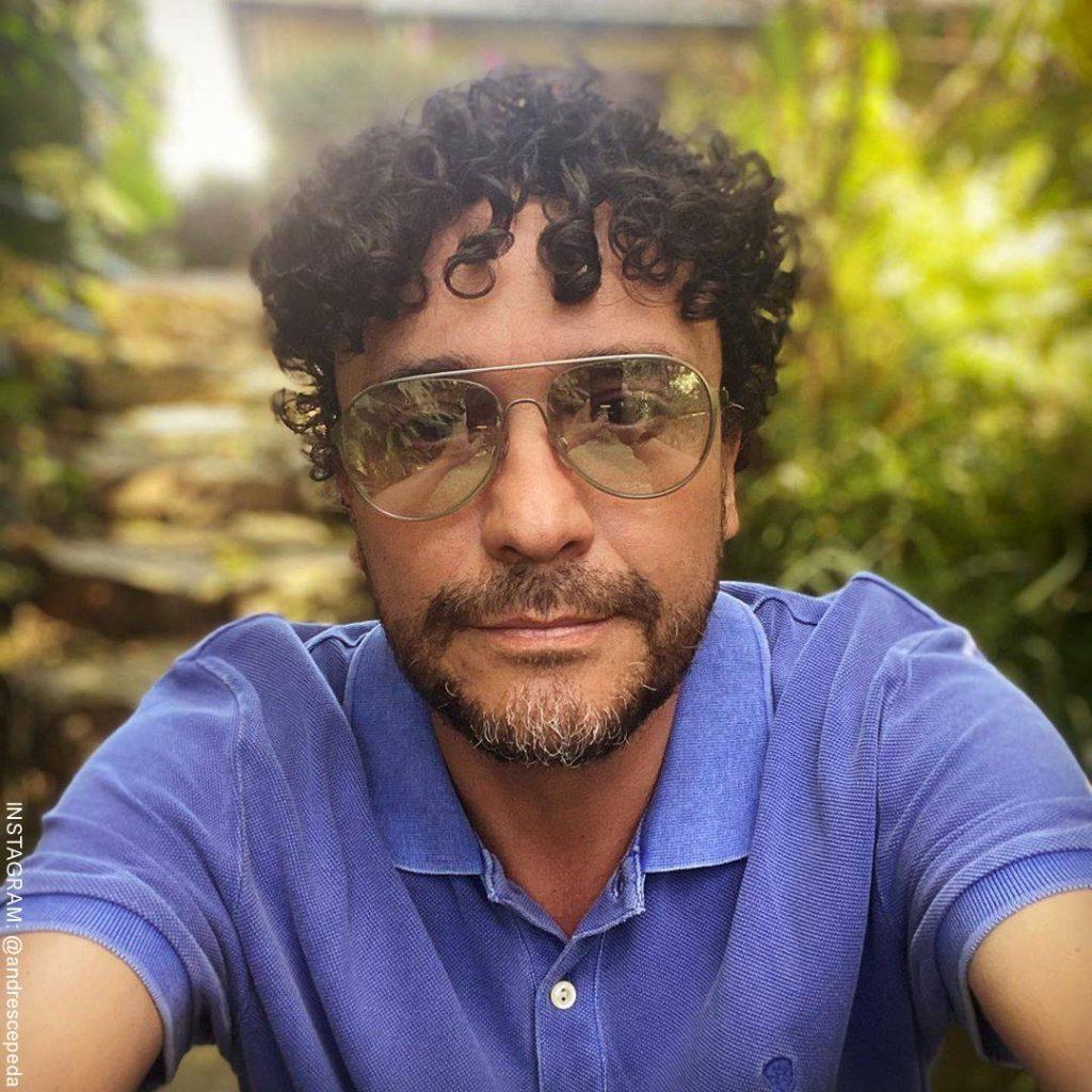 Foto de Andrés Cepeda en su casa de descanso