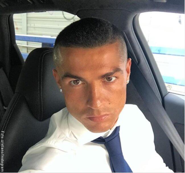 Foto de Cristiano Ronaldo con su nuevo cambo de look
