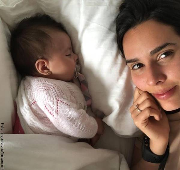 Foto de la esposa y la hija de Juanpis González