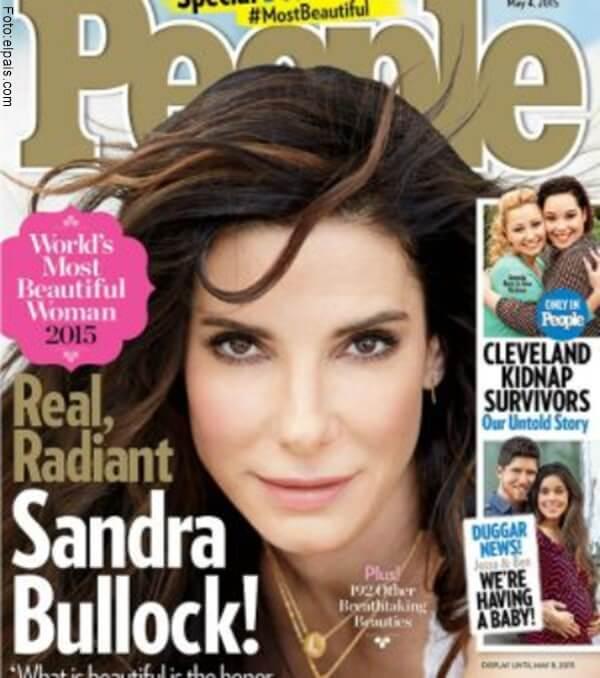 Sandra Bollock siendo portada de la revista People