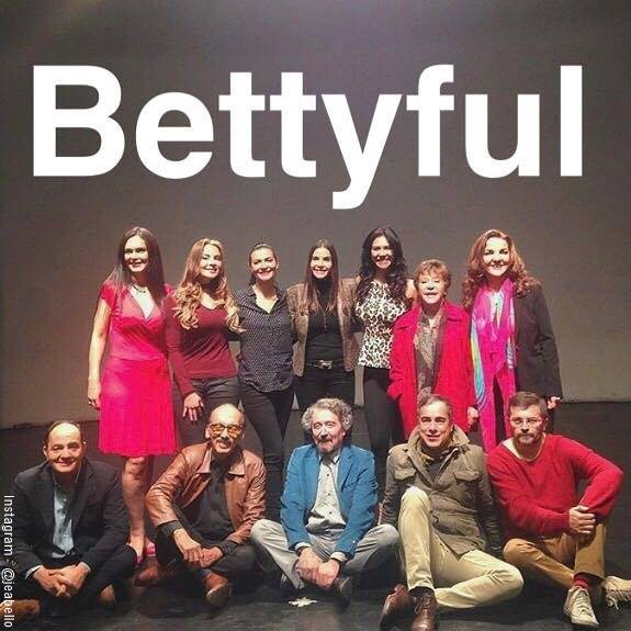 Foto del elenco de Yo soy Betty la fea 20 años después