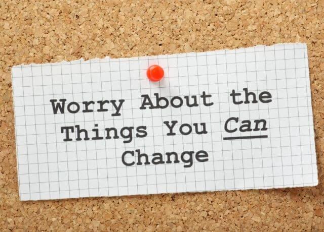 Imagen de mensaje motivacional en un tablero de corcho