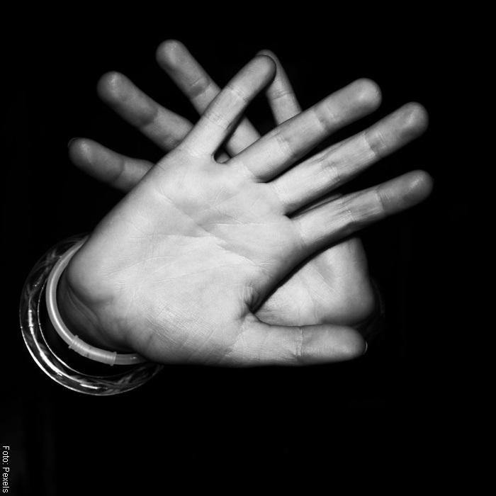 Foto de unas manos ilustrando ira