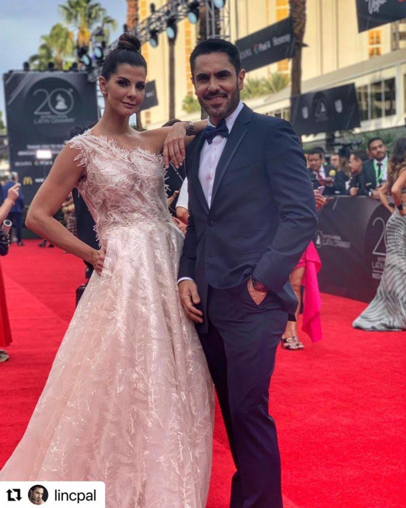 Lincoln Palomeque y Carolina Cruz en la alfombra roja.