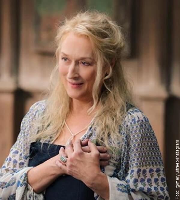 Meryl Streep con el baello largo y un poco ondulado