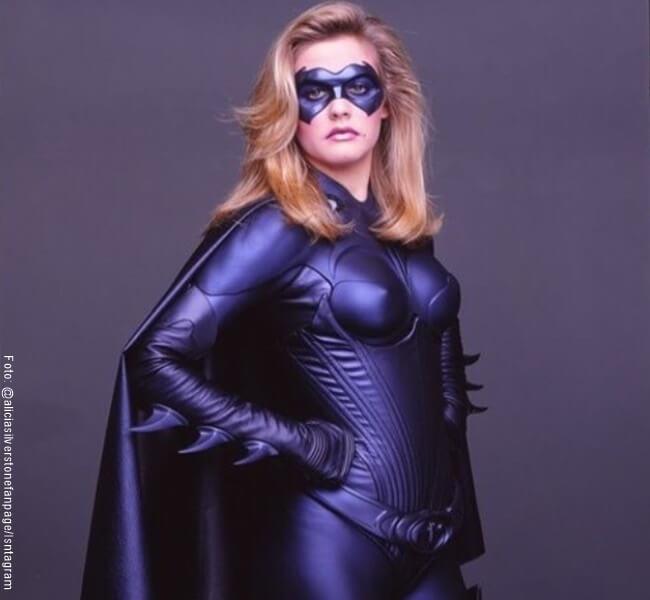Alicia Silverstone en su papel de Badgirl en Batman