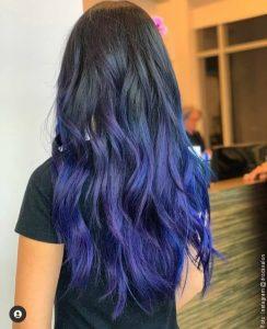 foto de cabello tinturado azul
