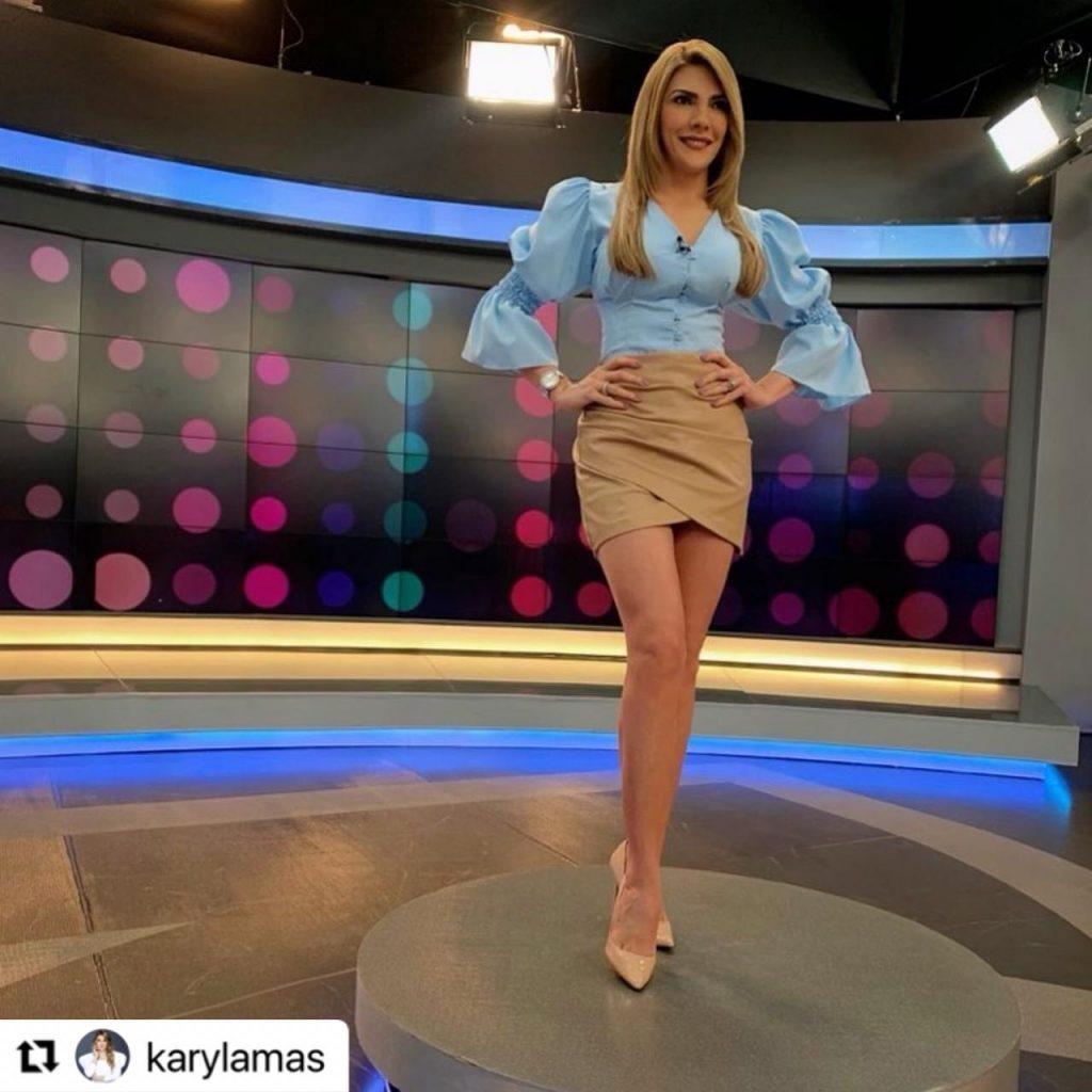 Ana Karina Soto en el set de Noticias RCN