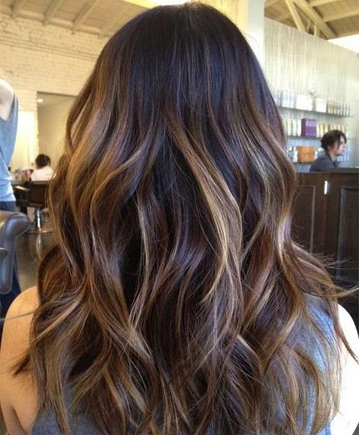 Foto de mujer con cabello balayage