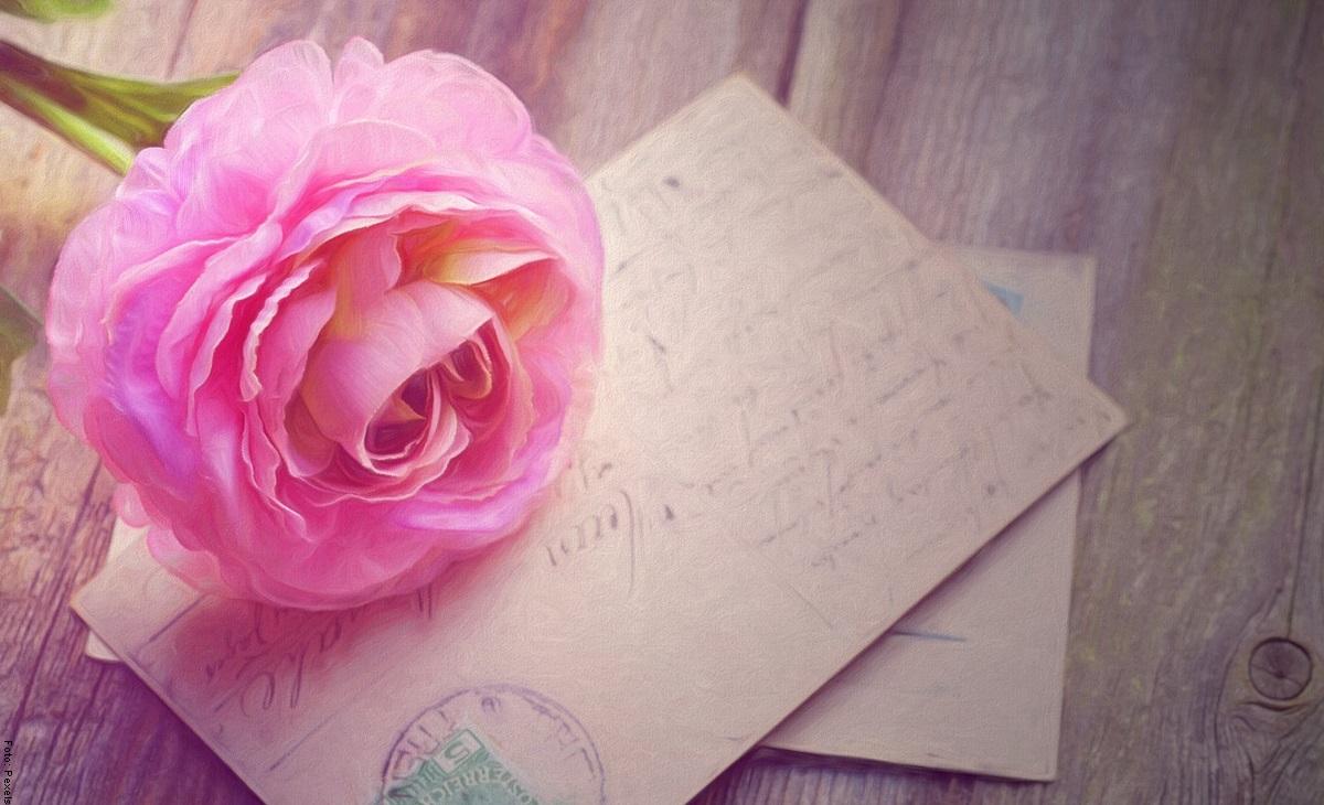Cómo hacer flores de papel fácil y rápido