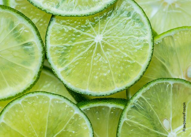 Foto de rodajas de limón verde