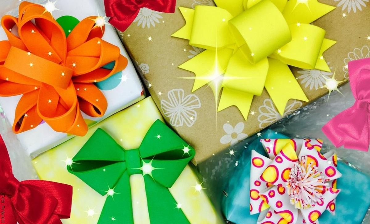 Cómo hacer moños con cinta para tus regalos