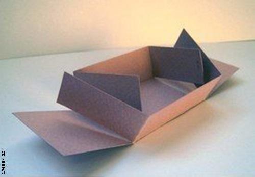 Foto de una caja armandose