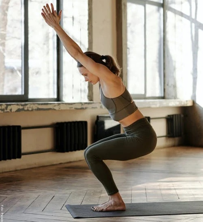 Foto de una mujer haciendo ejercicio