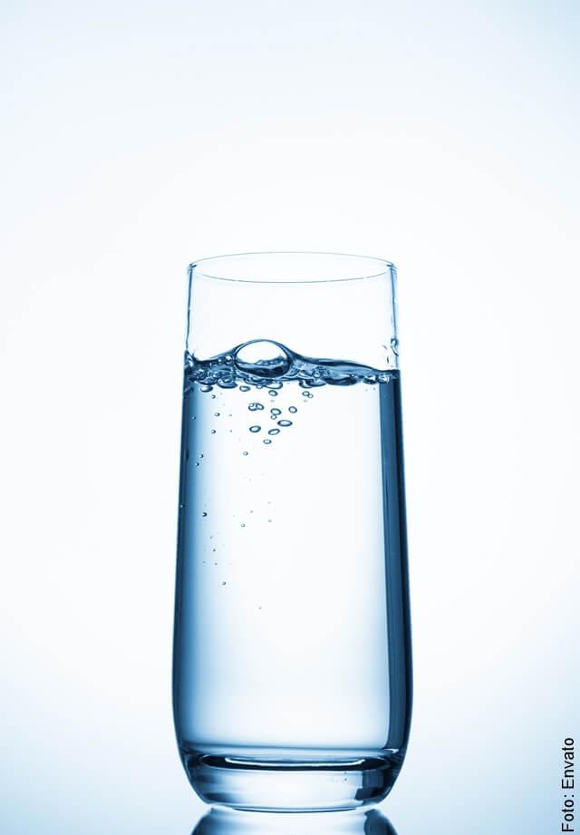 foto de vaso con bebida saludable