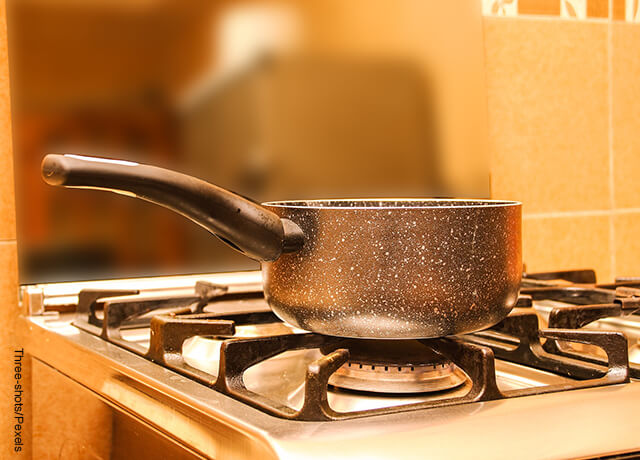Foto de una olla en una estufa