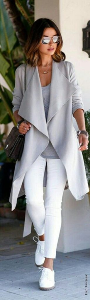 foto de mujer con abrigo