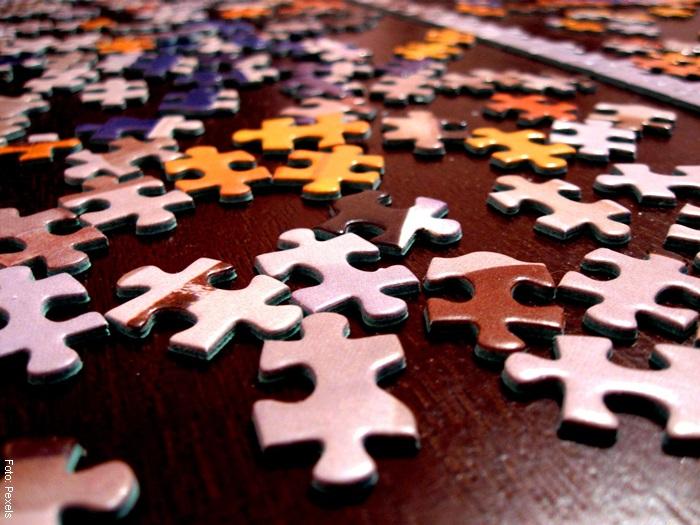 Foto de las piezas de un rompecabezas
