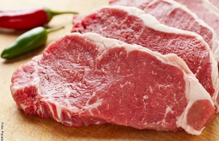 Foto de un trozo de carne para ilustrar qué significa soñar con carne