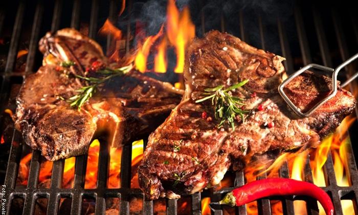 Foto de carne al carbón para ilustrar qué significa soñar con carne