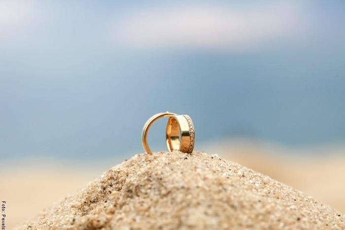 Foto de unos anillos para ilustrar qué significa soñar con oro