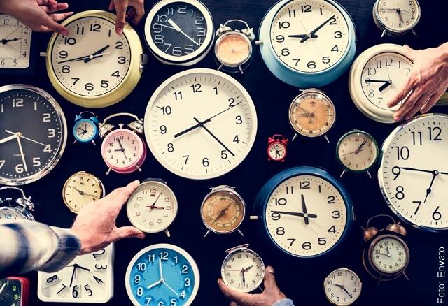 ilustración de relojes