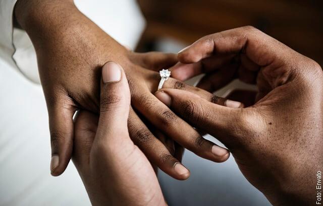 foto de anillo de matrimonio