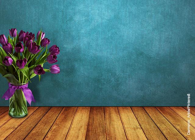 Foto de un ramo de flores dentro de un florero