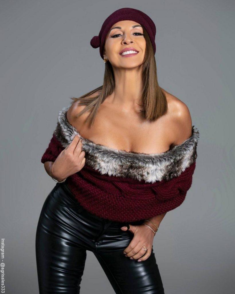 Foto de Amparo Grisales posando para la cámara de la Revista Aló