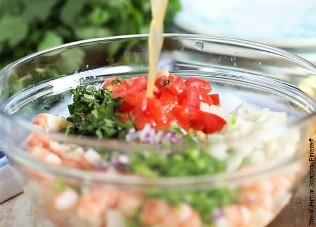 Foto de frutos del mar que ilustra la receta de ceviche de camarón