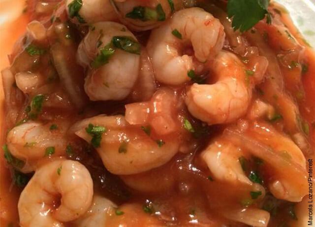 Foto de salsa marinera que muestra la receta de ceviche de camarón