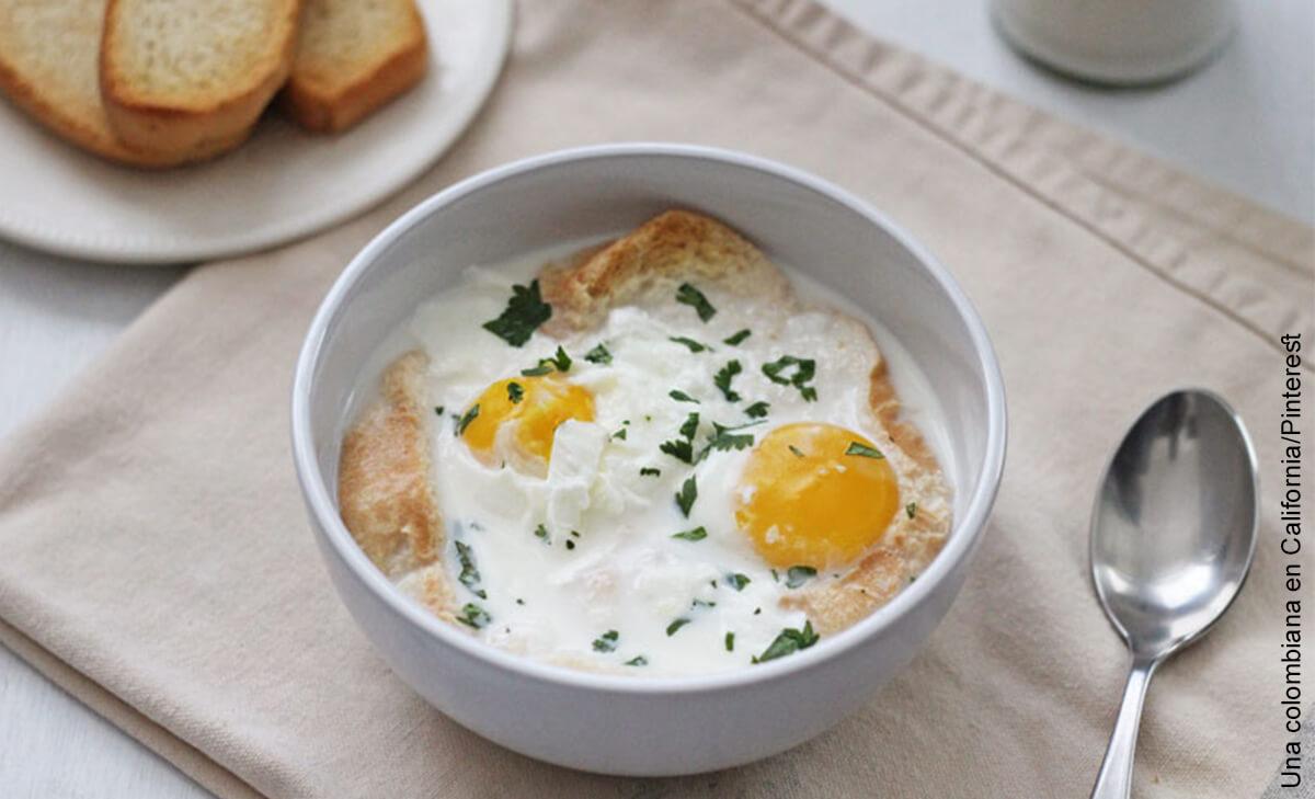 Foto de plato típico con leche que ilustra la changua y su receta