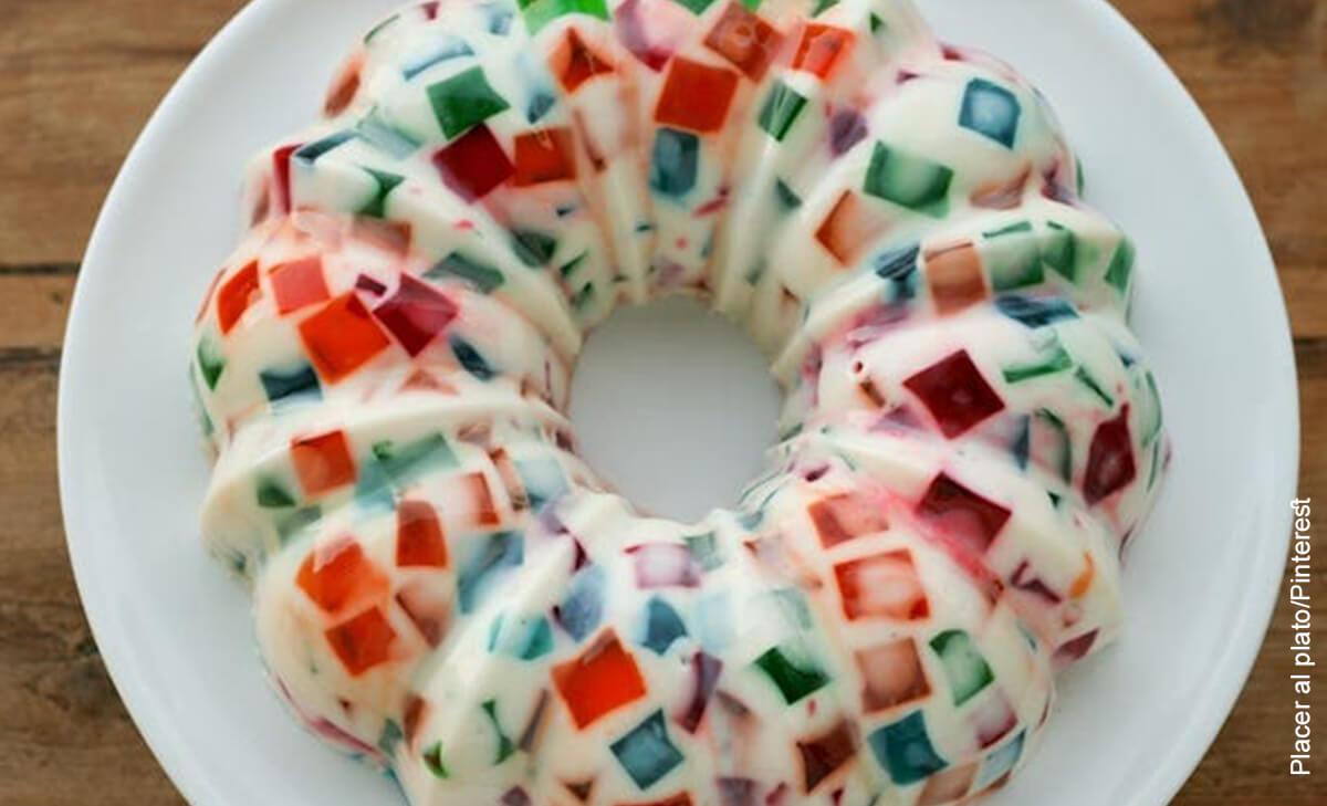 Foto de un postre casero que muestra cómo hacer gelatina