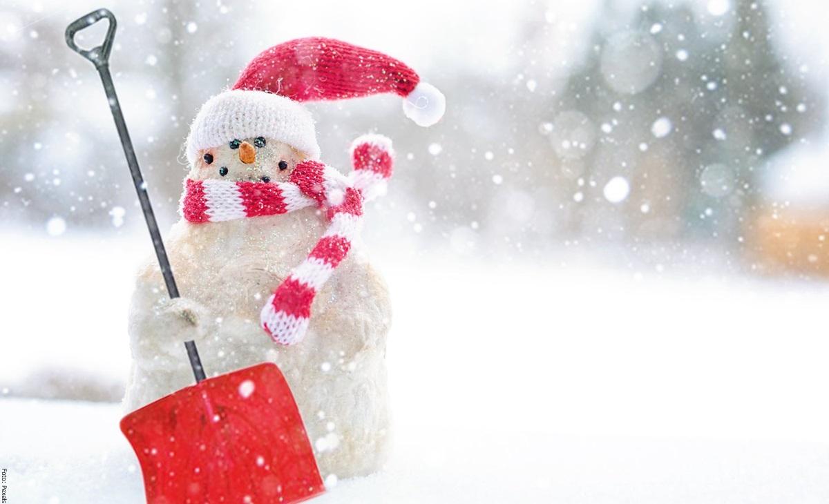 Cómo hacer un muñeco de nieve con materiales reciclables