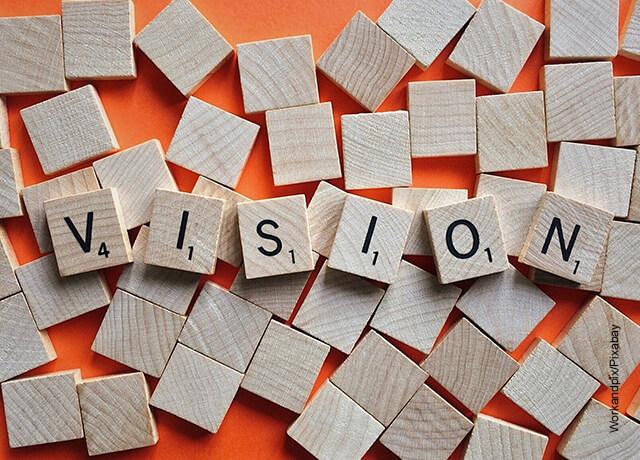 Foto de unas fichas que forman la palabra visión
