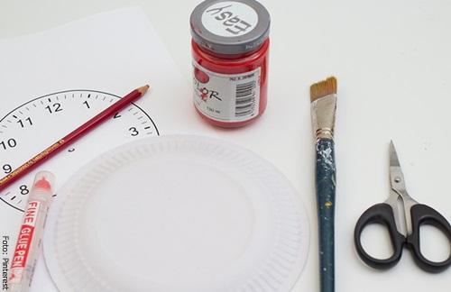 Foto de los materiales para saber cómo hacer un reloj