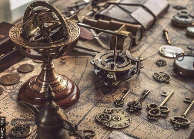 Foto de instrumentos de astrología antiguos