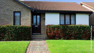 Foto de la fachada de una casa campestre