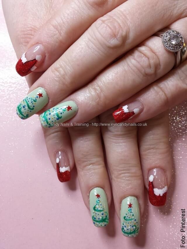 foto de uñas navideñas arbolito