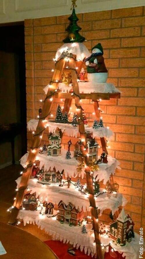 foto de árbol de navidad en madera
