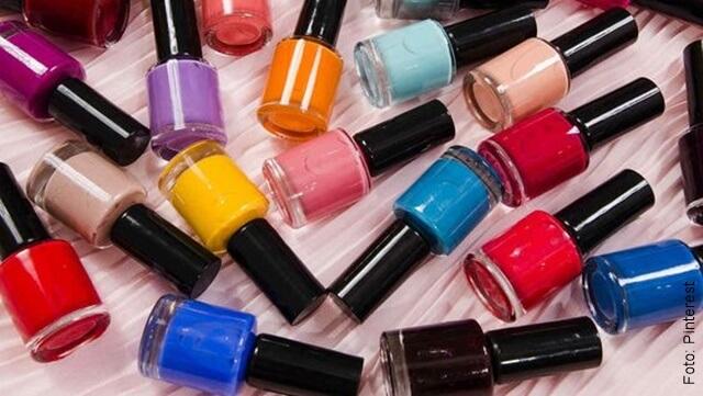 foto de varios esmaltes de diferentes colores