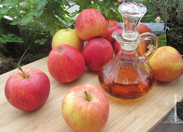 Foto de un aceite con manzanas