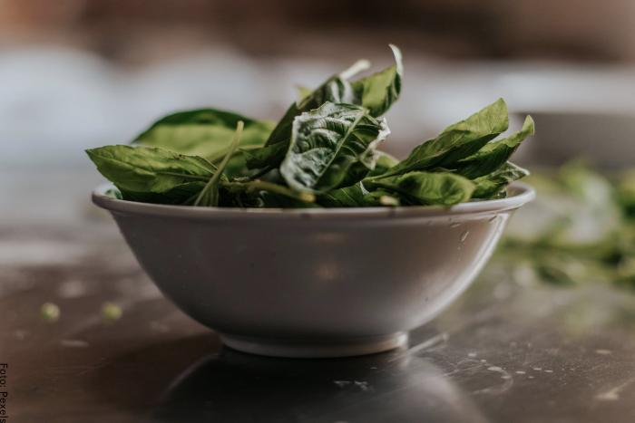 Foto de unas hojas de espinaca