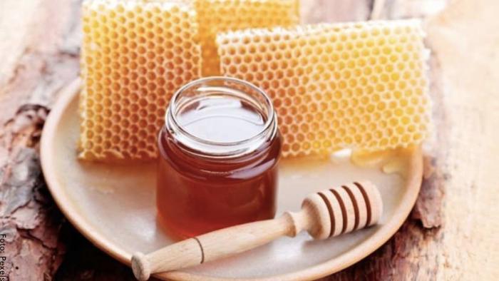 Foto de un frasco de miel