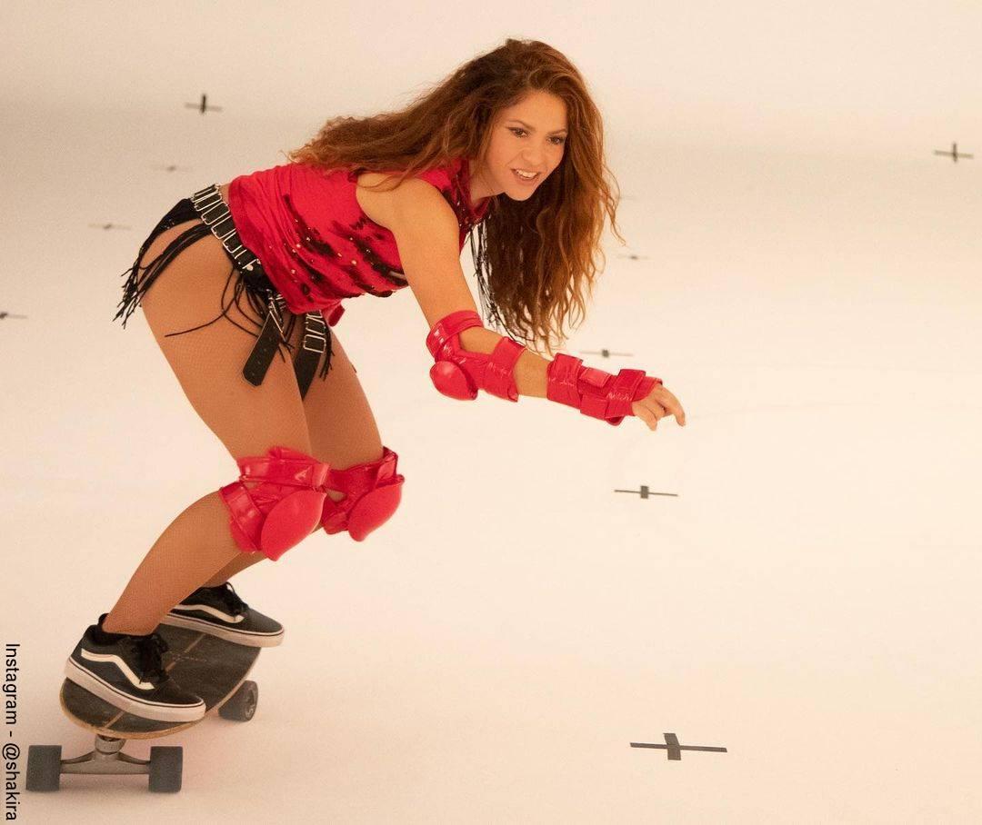 Shakira muy sexy en el nuevo video de Black Eyed Peas