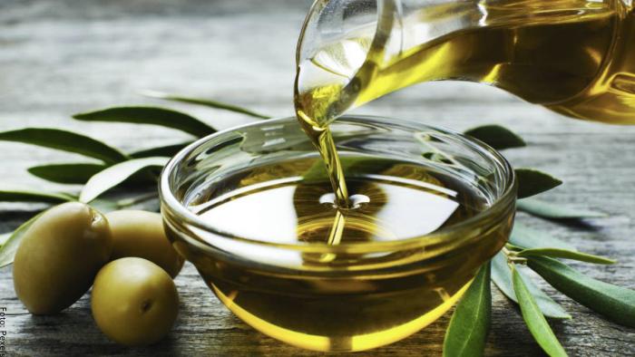 Foto del aceite de oliva para el cabello