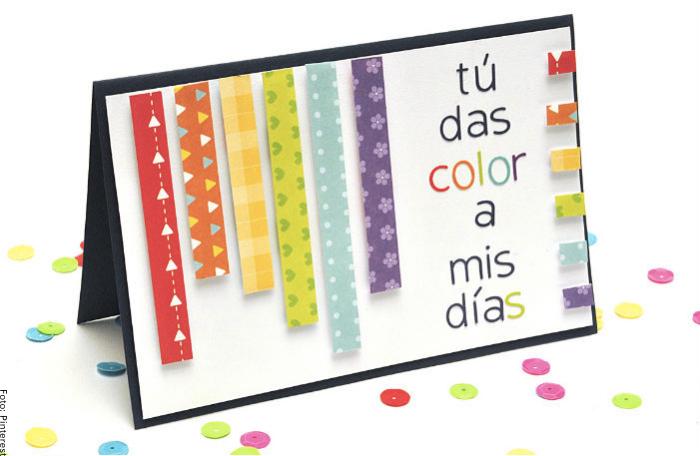 Foto de una carta decorada de muchos colores