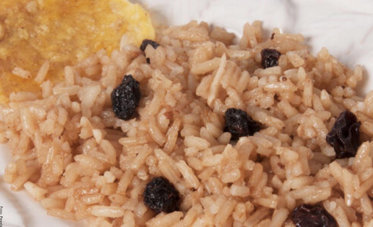 ¿Cómo hacer arroz con coco colombiano?